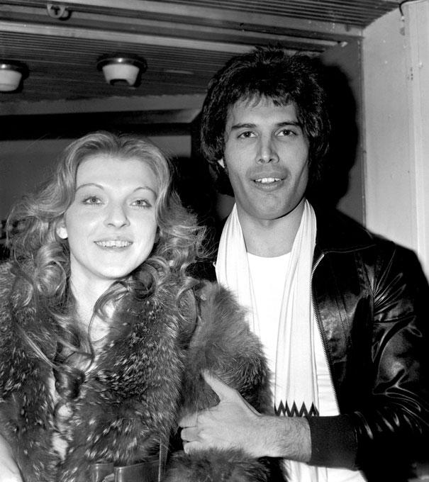 25 photos de Freddie Mercury avec son premier et seul véritable amour, Mary Austin