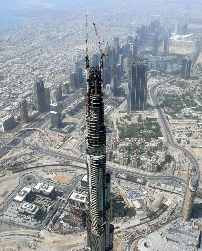Voici à quoi ressemblaient 17 bâtiments et statues de renommée mondiale lors de leur construction