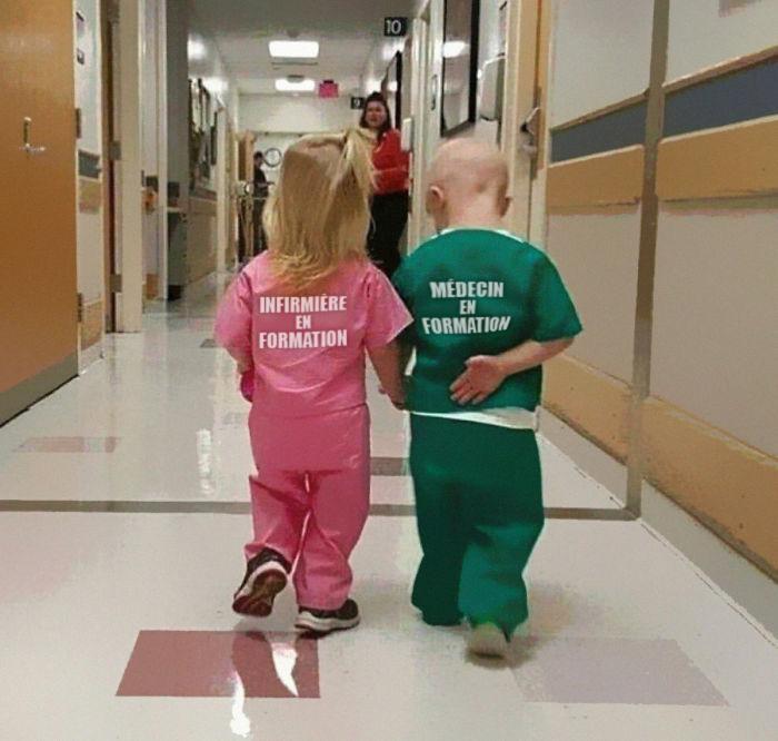 8 réactions à la photo «sexiste» d'une fille et d'un garçon déguisés en infirmière et en médecin