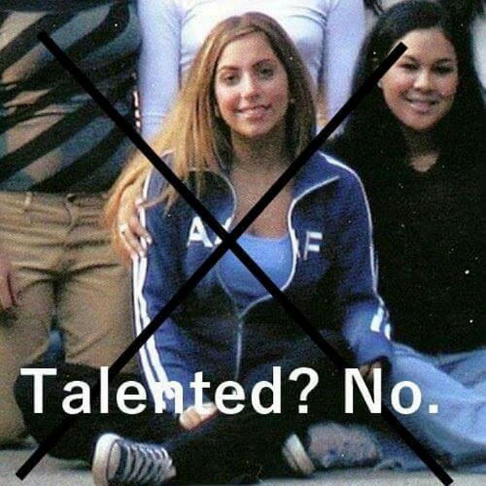Les camarades d'université de Lady Gaga avaient créé un groupe FB voué à l'humilier parce qu'elle avait tenté de devenir célèbre