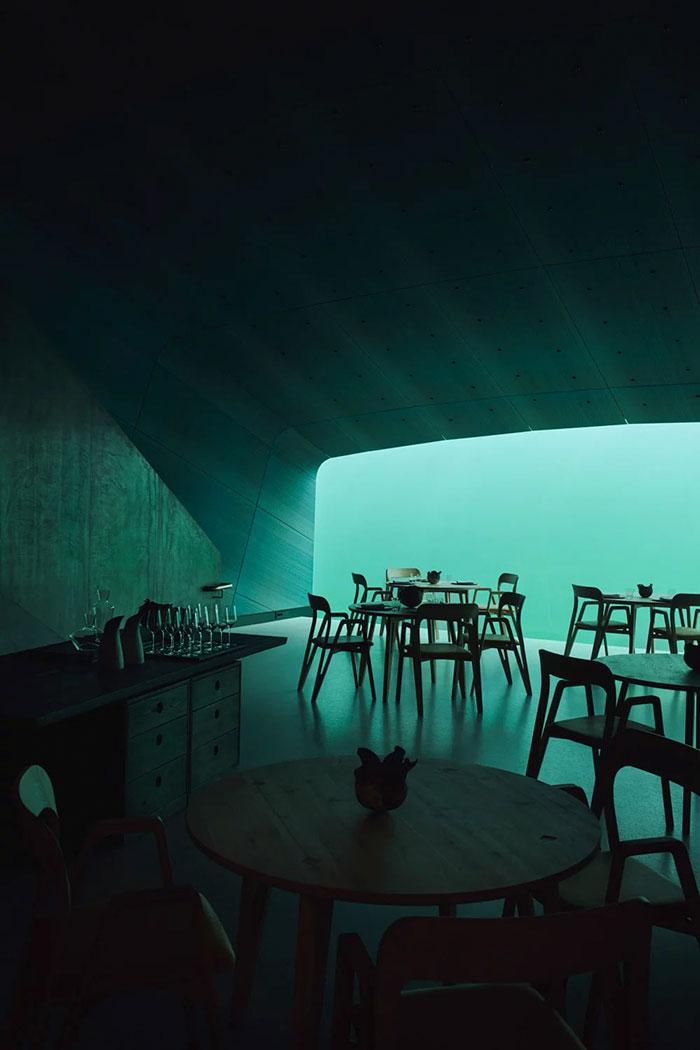 Un restaurant sous-marin a été inauguré en Norvège et il est hallucinant