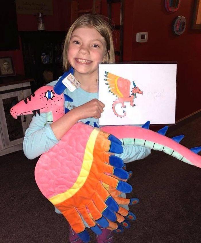 Cette entreprise transforme les dessins d'enfants en peluches mignonnes
