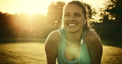 Selon la science, l'exercice rend officiellement plus heureux que l'argent