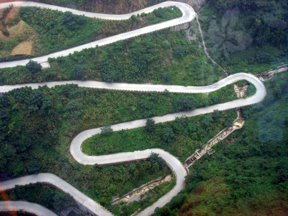 Les 14 routes les plus dangereuses au monde vont te couper le souffle