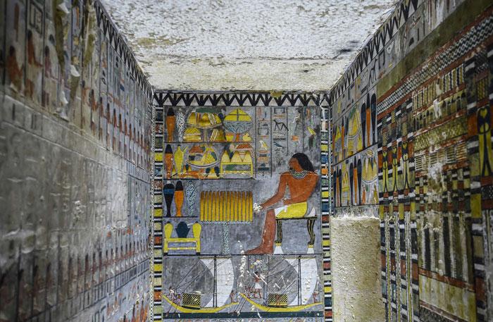Des archéologues ont découvert une tombe de 4 000 ans en Égypte et on dirait qu'elle vient juste d'être peinte ! By Ipnoze.com Tombe-4000-ans-egypte-khuwy-002