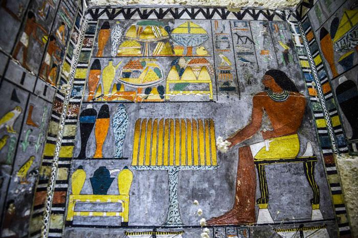 Des archéologues ont découvert une tombe de 4 000 ans en Égypte et on dirait qu'elle vient juste d'être peinte ! By Ipnoze.com Tombe-4000-ans-egypte-khuwy-004