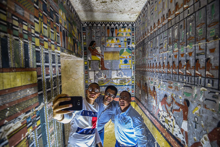 Des archéologues ont découvert une tombe de 4 000 ans en Égypte et on dirait qu'elle vient juste d'être peinte ! By Ipnoze.com Tombe-4000-ans-egypte-khuwy-006