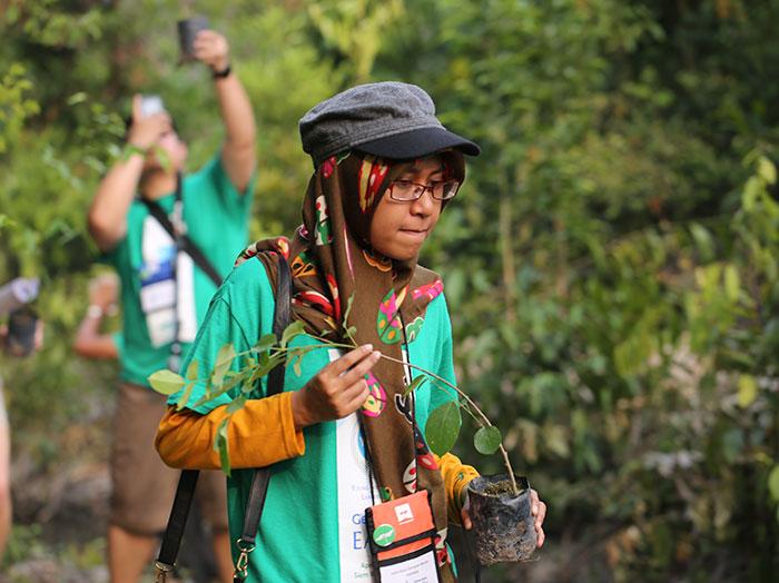 Les étudiants philippins devront planter 10 arbres pour obtenir leur diplôme, ce qui donnera 525 millions de nouveaux arbres en une génération