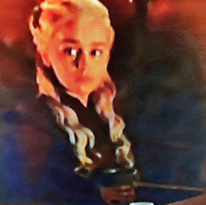 Game of Thrones a accidentellement laissé un gobelet Starbucks dans une des scènes et les gens ont complètement perdu la tête