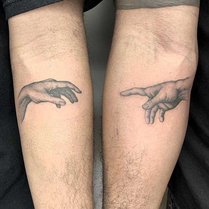 23 tatouages assortis qui sont tout aussi astucieux que créatifs