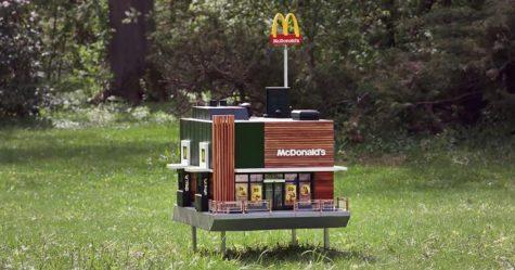 McDonald's ouvre un minuscule restaurant pour les abeilles