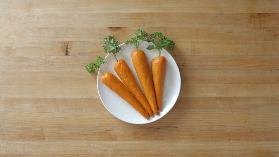 Une chaîne de fast-food a créé une carotte faite de viande pour taquiner les véganes
