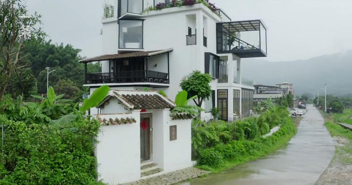 7 amies décident de passer le reste de leur vie ensemble et achètent une maison à 517000€