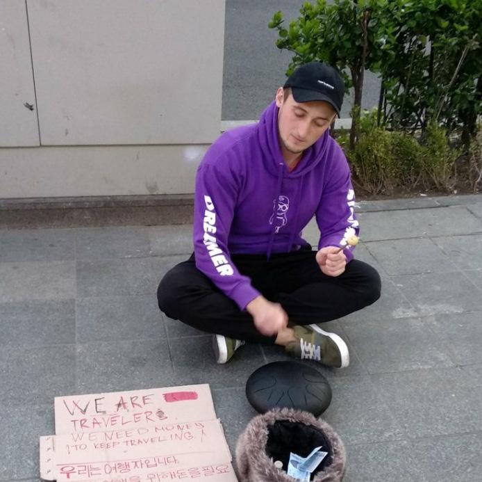 Les gens en Asie en ont assez des «begpackers» occidentaux qui demandent aux habitants de financer leurs voyages (29 images)