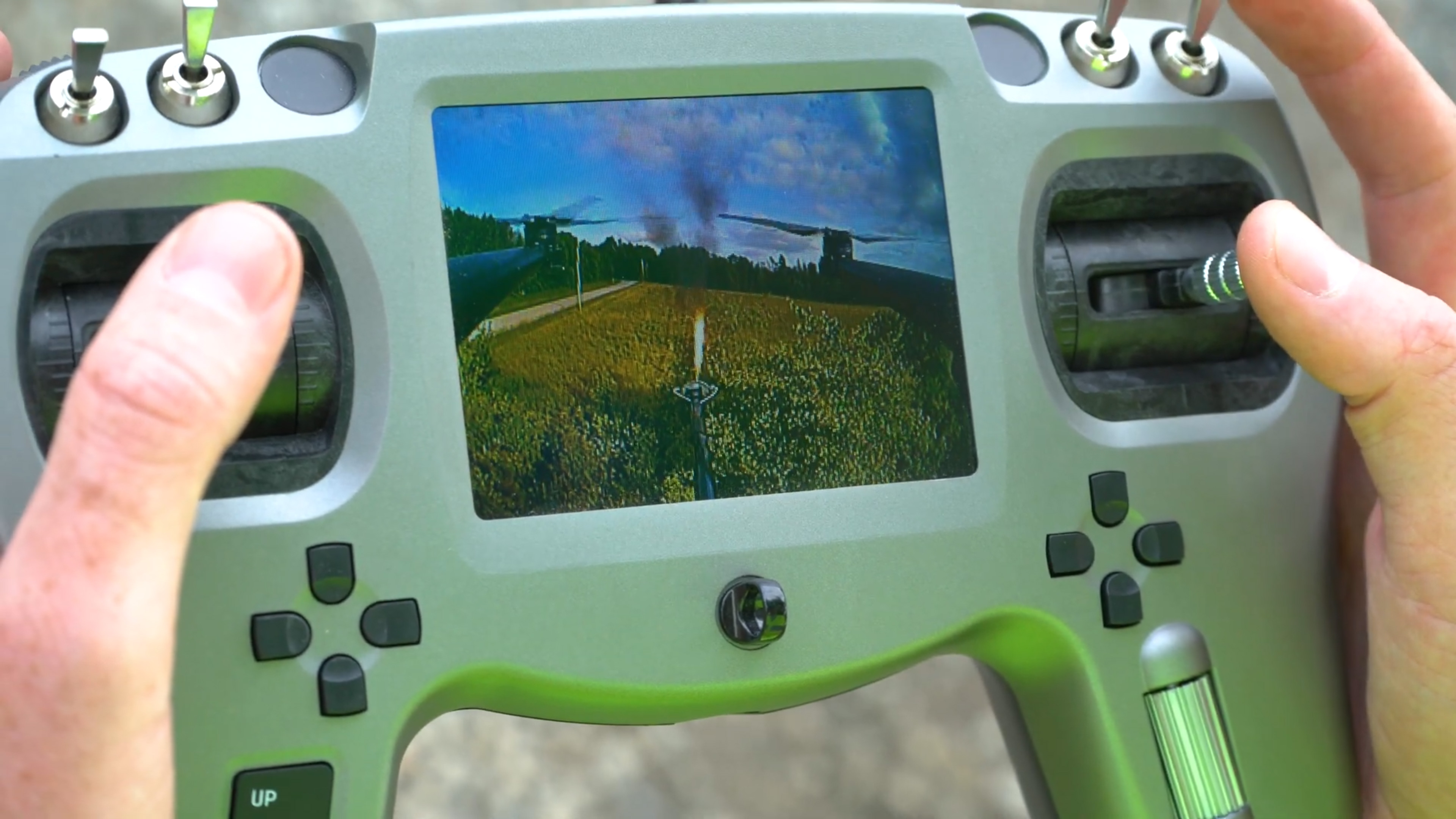 Les drones avec lance-flammes existent et peuvent être achetés par le public