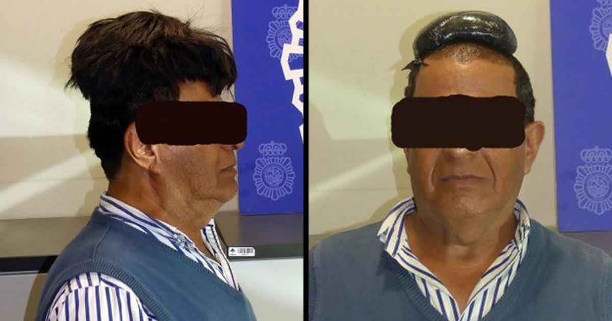 Cet homme a été surpris à passer un demi-kilo de cocaïne sous sa perruque