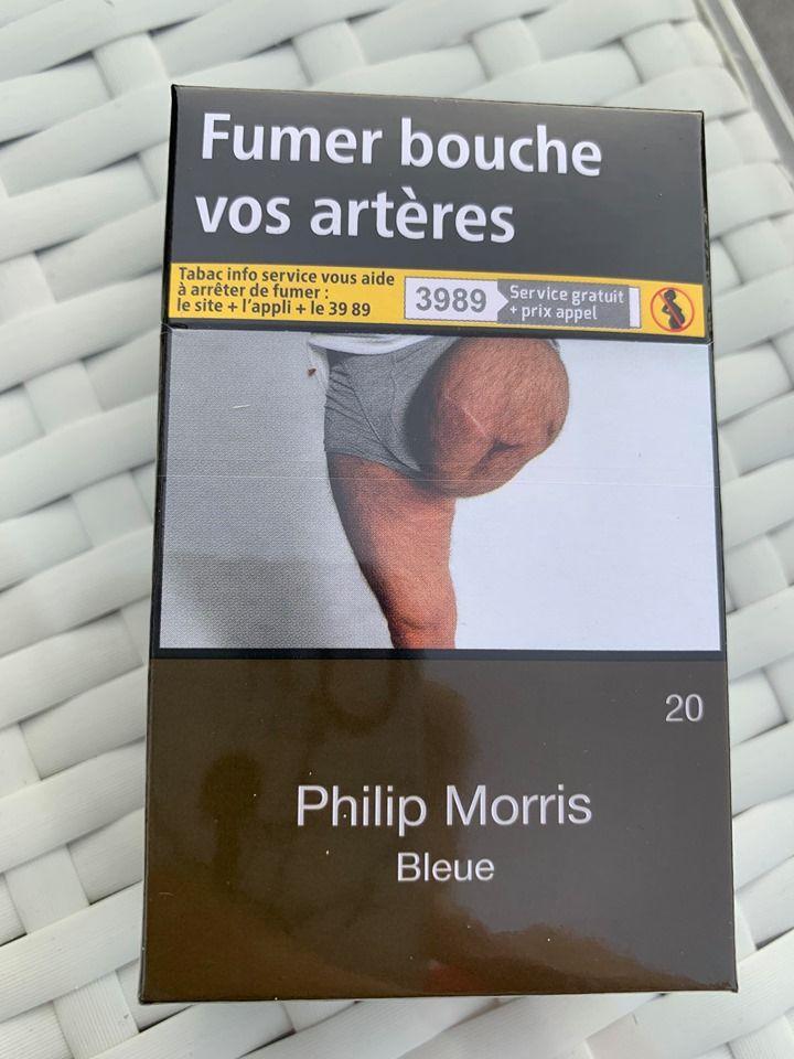 Un homme a trouvé une photo de sa jambe amputée sur des paquets de cigarettes
