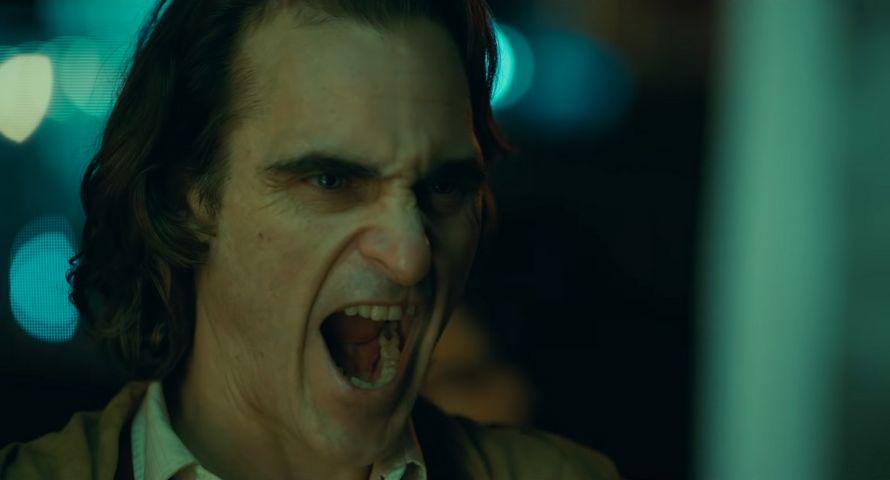 La nouvelle bande-annonce complète du Joker de Joaquin Phoenix vient de sortir ! By Ipnoze.com Nouvelle-bande-annonce-joker-joaquin-phoenix-004
