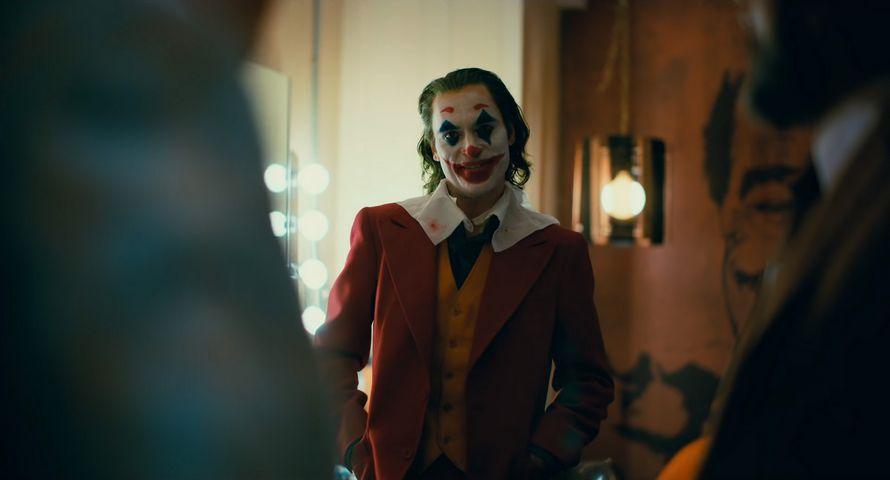La nouvelle bande-annonce complète du Joker de Joaquin Phoenix vient de sortir ! By Ipnoze.com Nouvelle-bande-annonce-joker-joaquin-phoenix-005