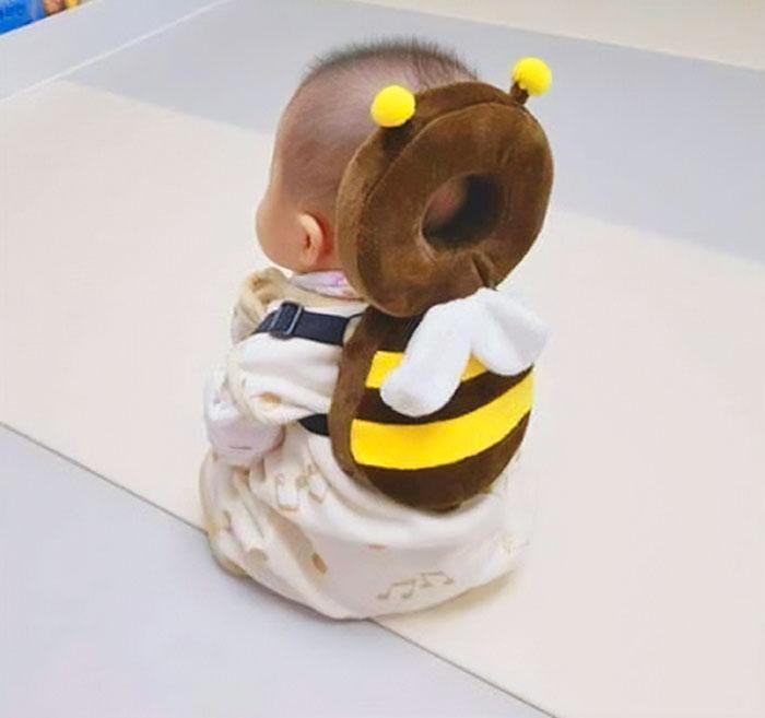 Ces adorables sacs à dos en forme d'animaux pour bébés protègent leur tête en cas de chute
