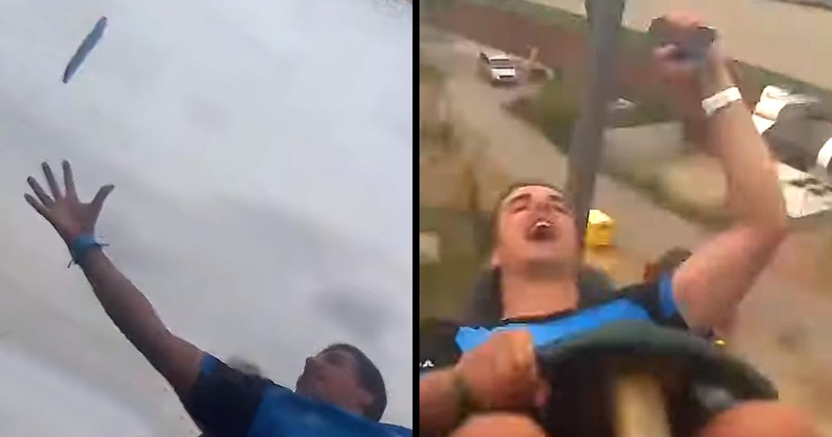 Ce gars a miraculeusement attrapé un téléphone qu'une autre personne a laissé tomber sur une montagne russe