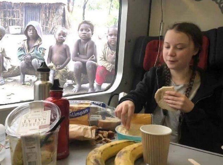 Cette photo de Greta Thunberg déjeunant devant des enfants pauvres est fausse