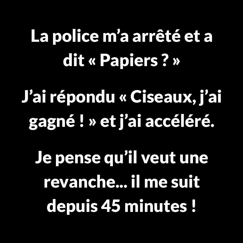 La police m'a arrêté et m'a dit «Papiers?»