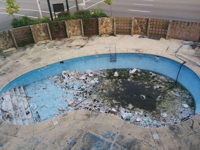 22 personnes qui ont partagé des photos des pires hôtels où elles ont séjourné