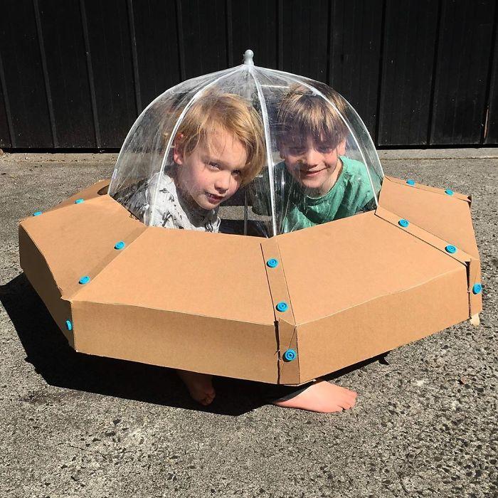 Je confectionne des costumes avec des boîtes en carton pour mes enfants et voici les 20 meilleurs