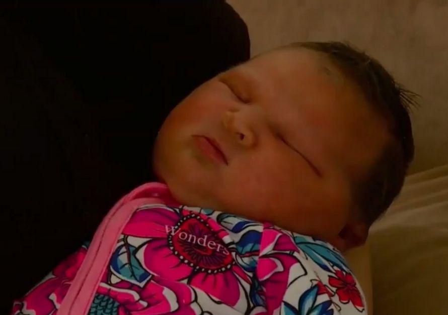 Une maman a donné naissance à une «mini lutteuse de sumo» de 5,88 kg