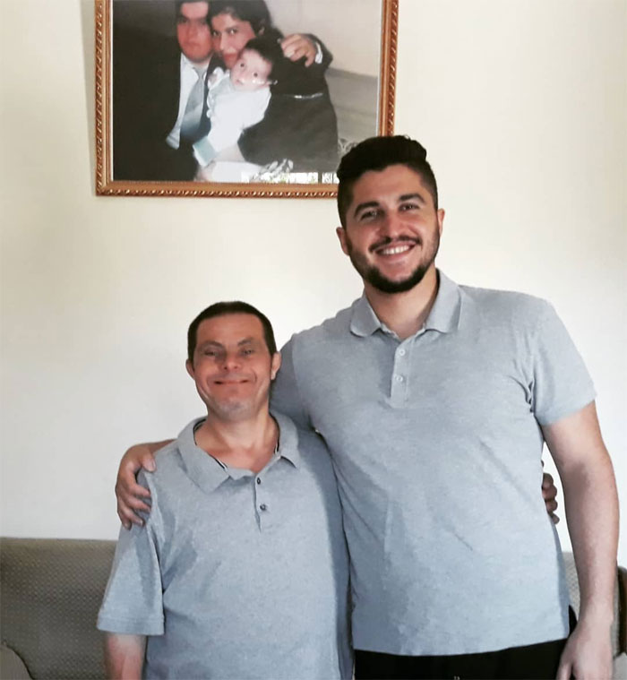 Ce gars dont le père est trisomique a raconté ce que c'était que d'être élevé par lui et a dit qu'il ne pourrait pas être plus fier
