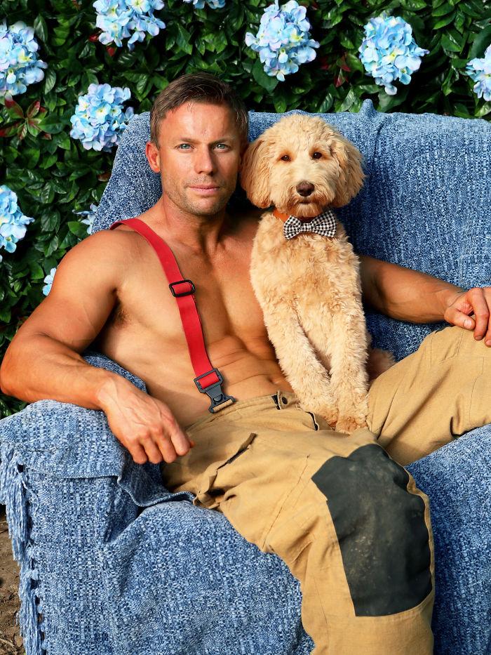 Des pompiers australiens ont posé avec des animaux pour le calendrier de charité de 2020 (33 images)