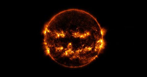 La NASA a partagé une photo du Soleil qui semble déjà fêter l'Halloween