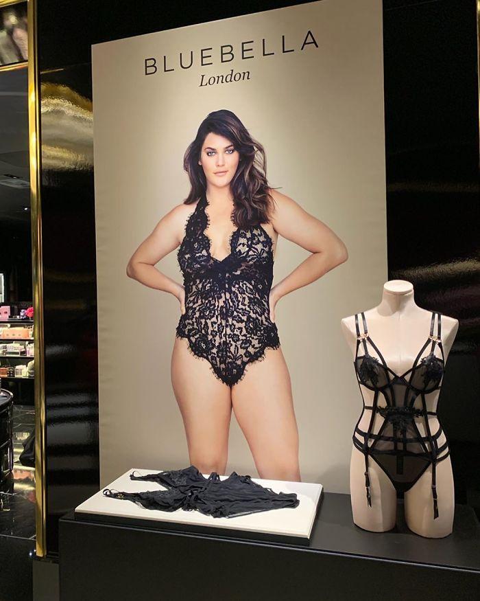 Victoria's Secret a présenté pour la première fois une mannequin taille 14 dans sa campagne de lingerie