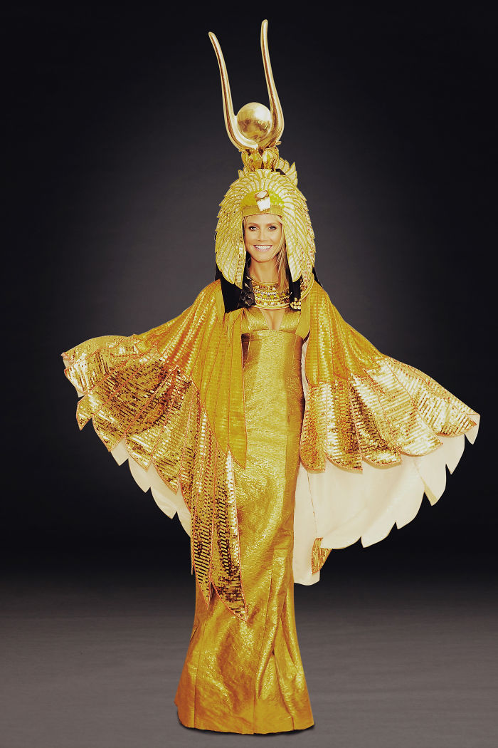 Heidi Klum vient de dévoiler son costume de cette année et prouve qu'elle est une fois de plus la reine de l'Halloween