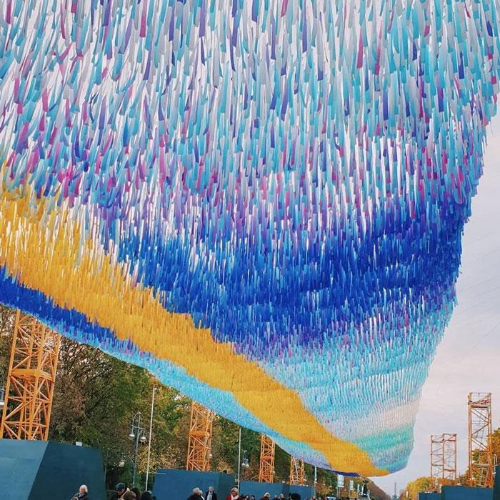 120 000 rubans flottent là où le mur de Berlin se trouvait pour marquer le 30e anniversaire de sa chute