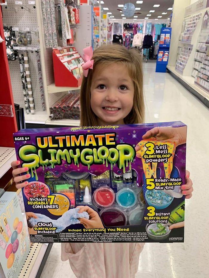 Cette maman a présenté une astuce de Noël pour que les enfants arrêtent de demander des jouets dans les magasins
