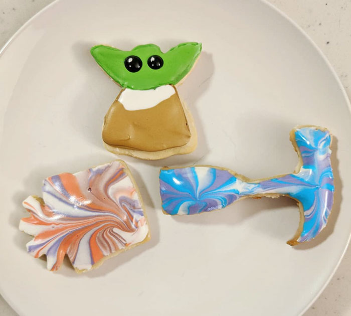 Les gens ont commencé à couper la tête de leurs emporte-pièces en forme d'ange pour créer des friandises de bébé Yoda
