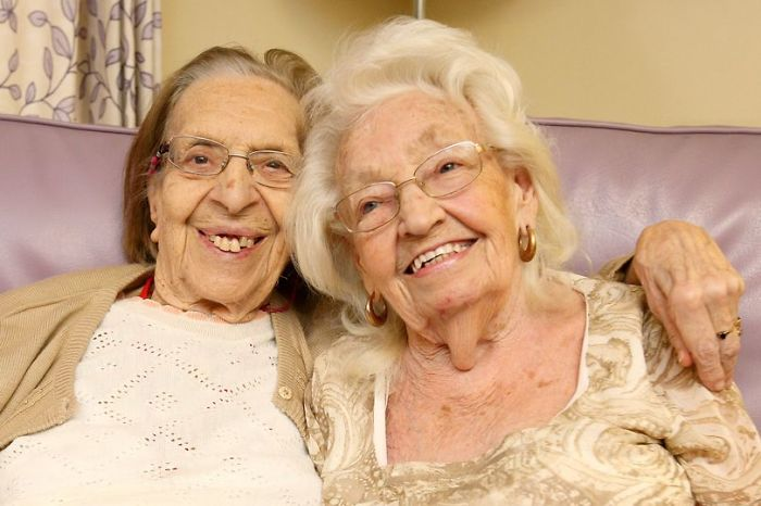 Ces meilleures amies depuis 78 ans viennent tout juste d'emménager dans la même maison de retraite et n'arrêtent pas de faire des bêtises