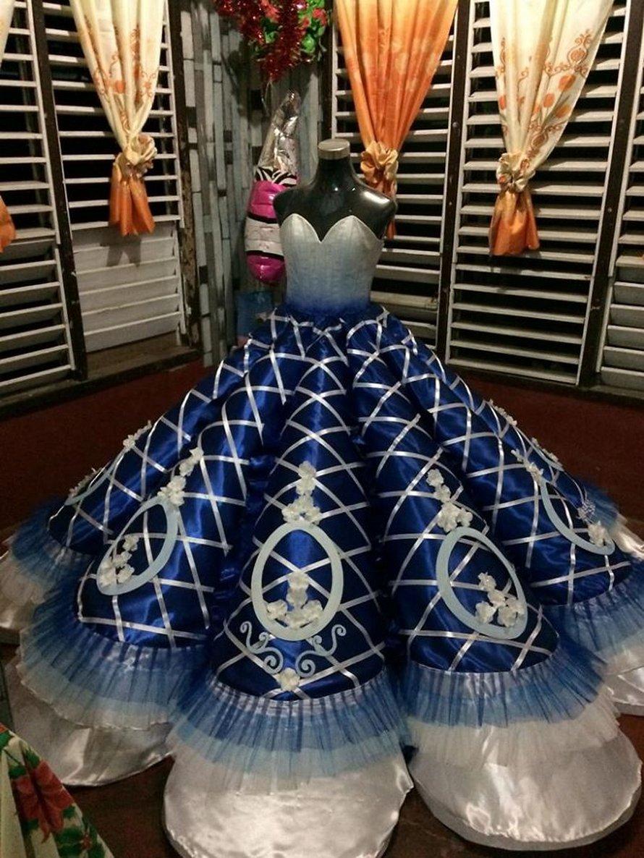 Des parents ne pouvaient pas se permettre de louer une robe de bal pour leur fille, alors son frère lui en a fait une à la place