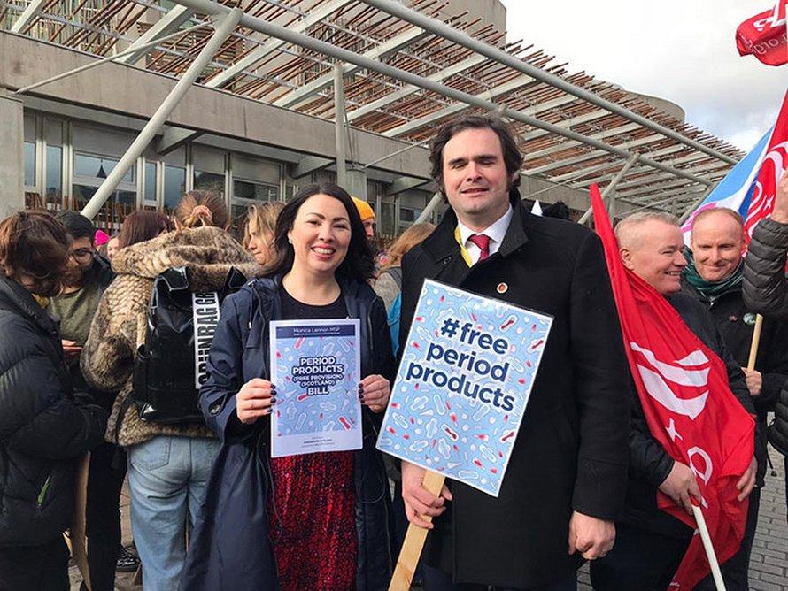 L'Écosse est sur le point de marquer l'histoire en devenant le premier pays à rendre les produits d'hygiène féminine gratuits