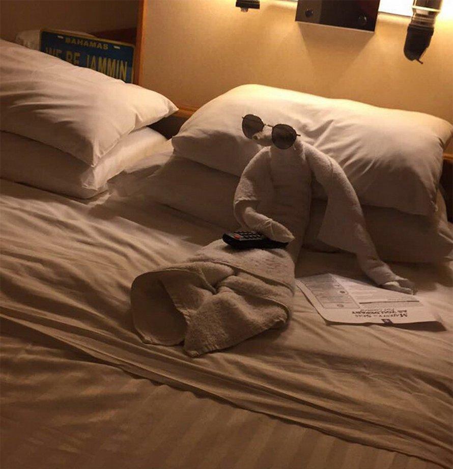 Des gens partagent les meilleurs pliages de serviettes qu'ils ont vus dans les hôtels (22 images)