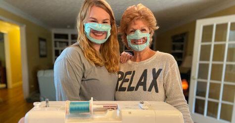 Cette étudiante de 21 ans fabrique des masques pour les sourds et malentendants
