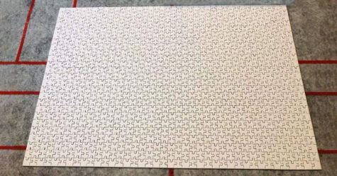 Amazon vend un puzzle blanc «impossible» de 1000 pièces pour 20$ et ça ressemble à une blague cruelle