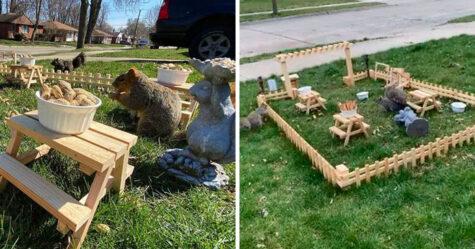 Un homme en confinement a construit un tout petit restaurant pour les animaux dans son jardin