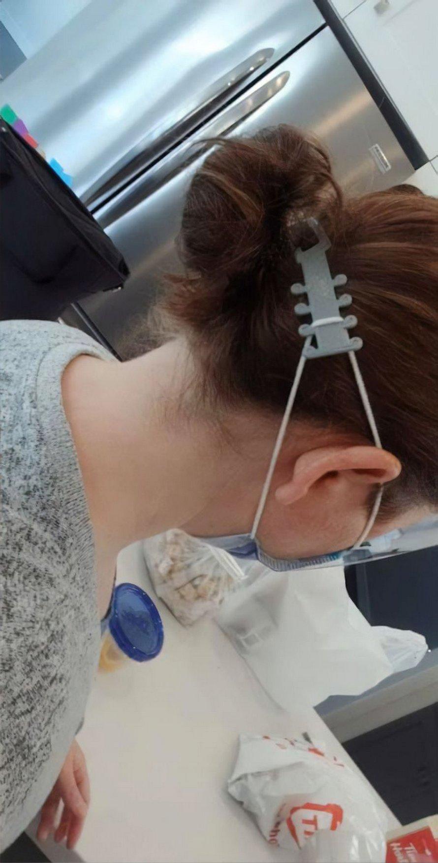 Ce scout canadien a fabriqué un «protège-oreilles» pour soulager la douleur du personnel médical qui doit porter un masque toute la journée