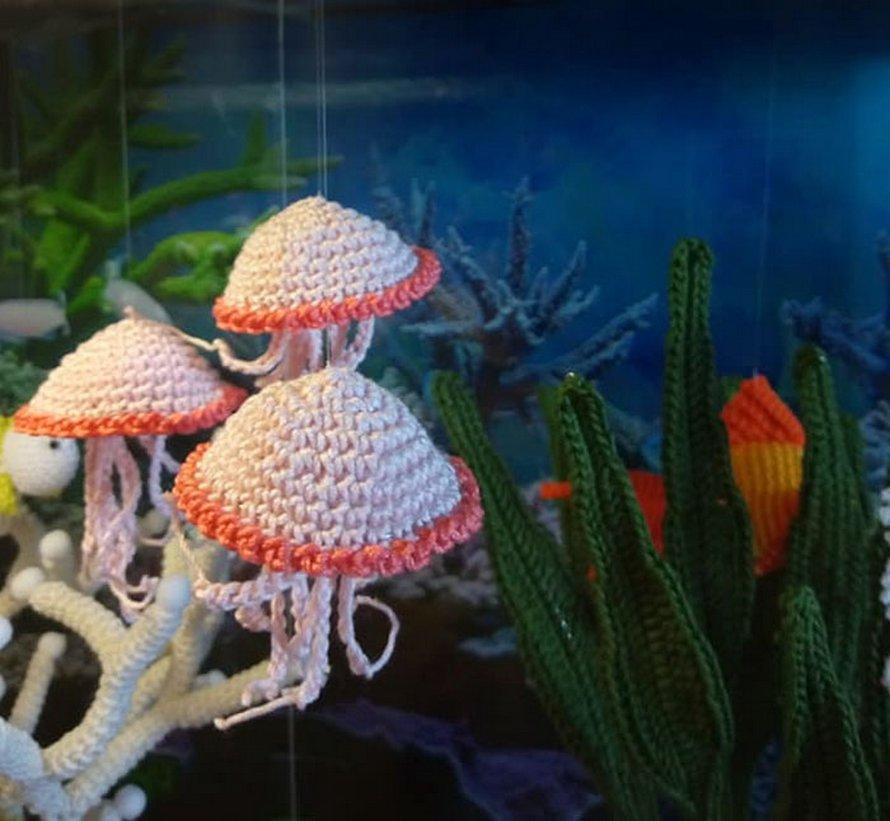 Une artiste italienne a créé un superbe aquarium au crochet