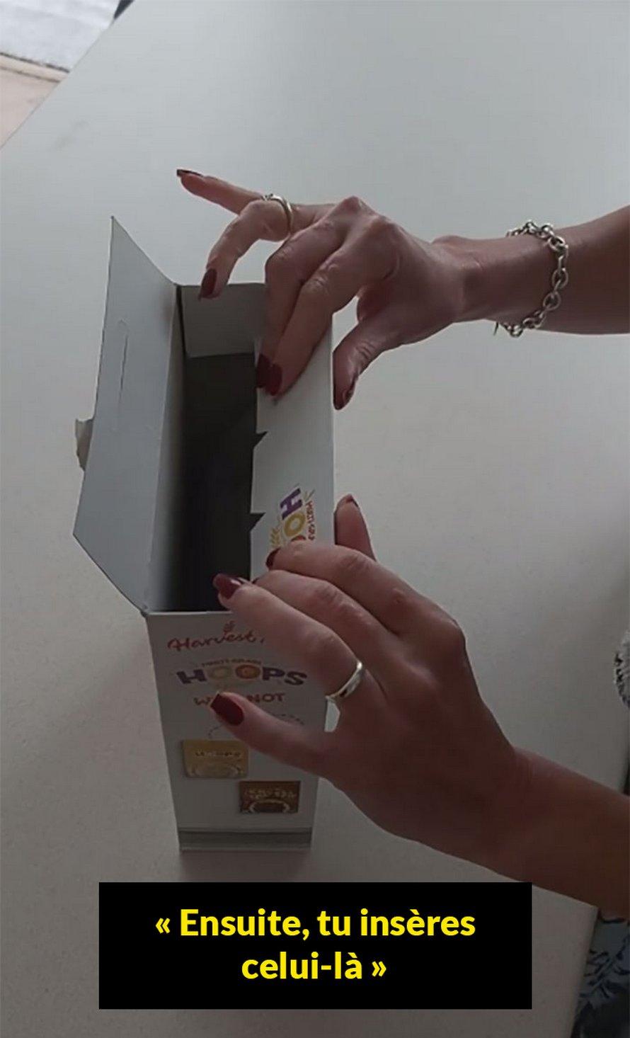 Une femme est stupéfaite de découvrir comment fermer une boîte de céréales de la bonne façon