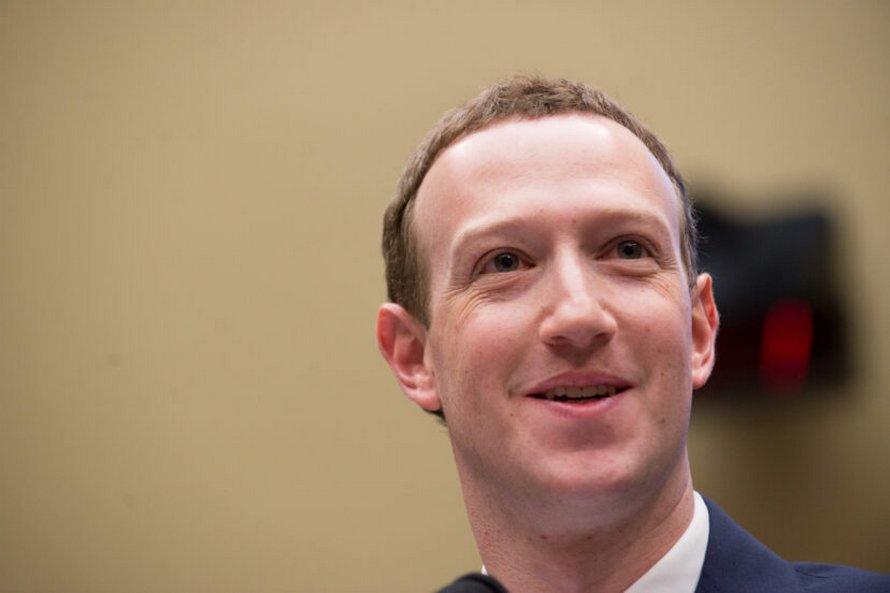 Jeff Bezos le PDG d'Amazon deviendra le premier super-milliardaire du monde