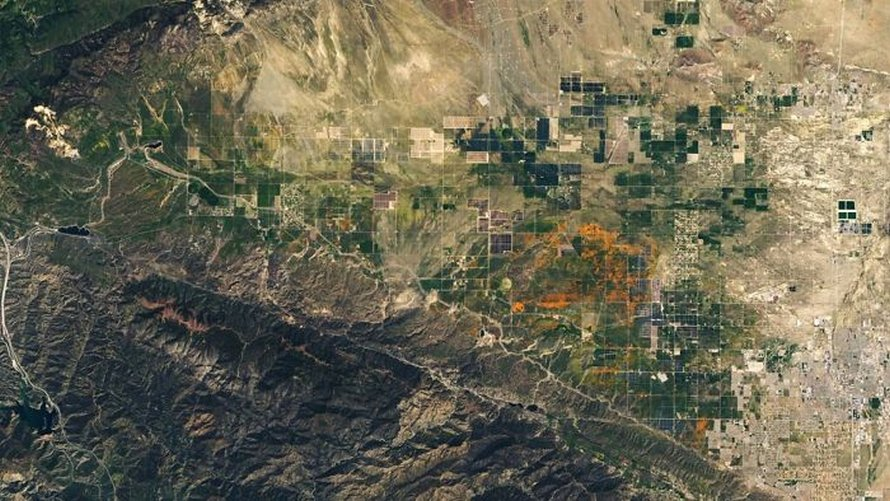 La NASA publie des images satellites du « super bloom » californien massif vu de l'espace